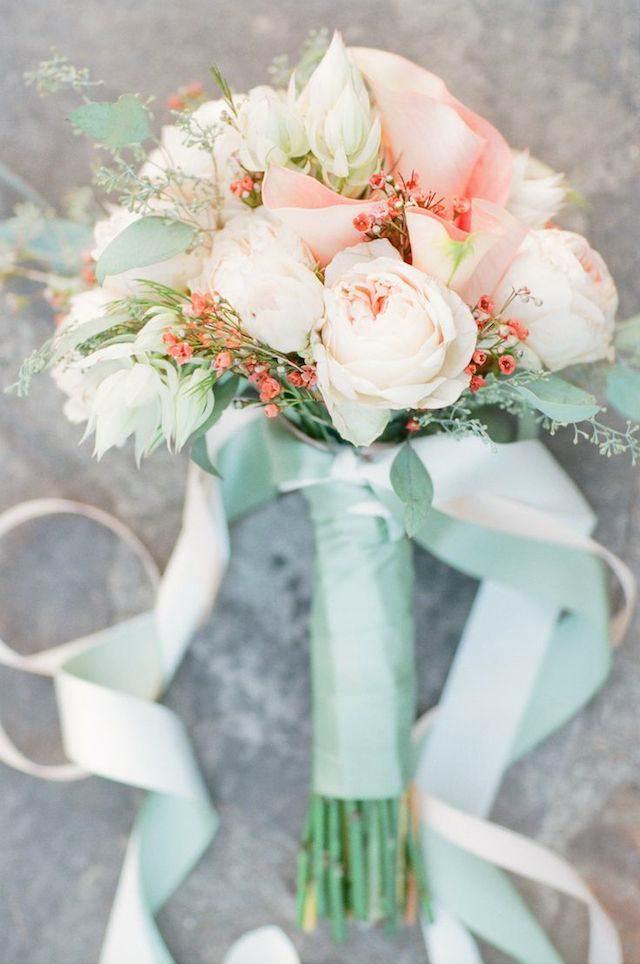 ramo de flores decoración verde menta rosa