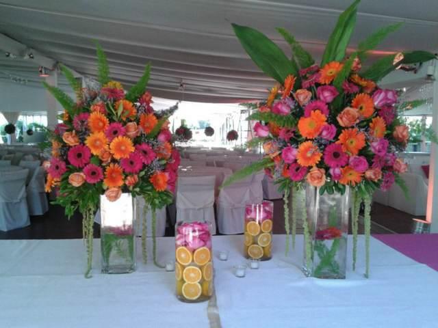 ramos de flores decoración hermosa para su celebración