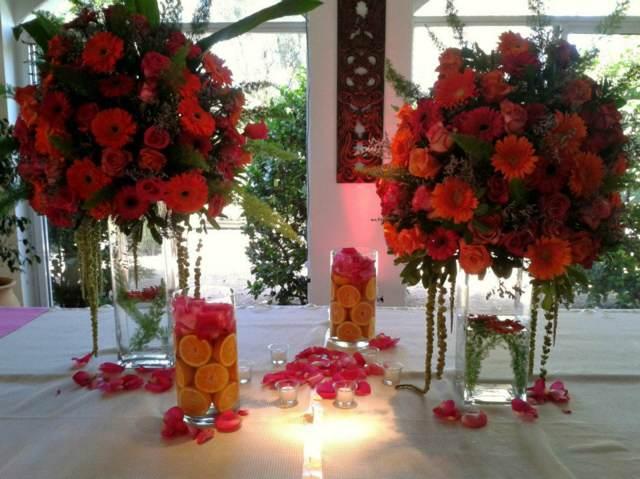 ramos de flores claveles y rosas para su celebración