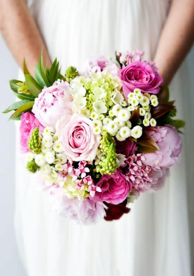 ramos de novia una combinación entre colores y flores modernos