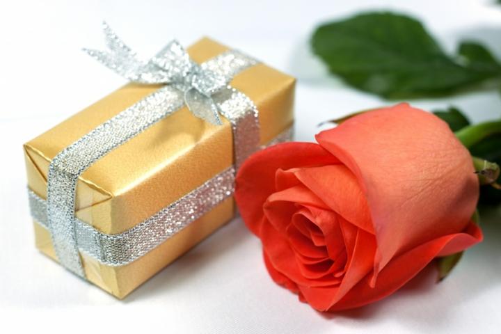 regalo de aniversario rosa postal