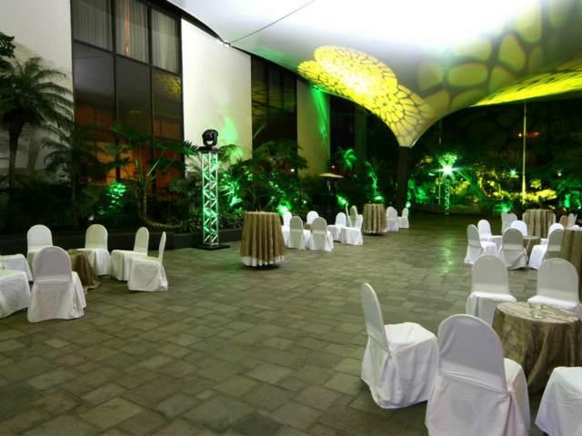 una sala de eventos sociales