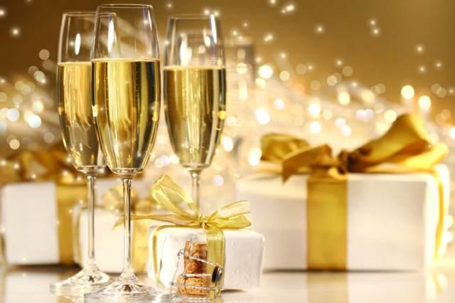 servicio de catering Navidad champán y regalos