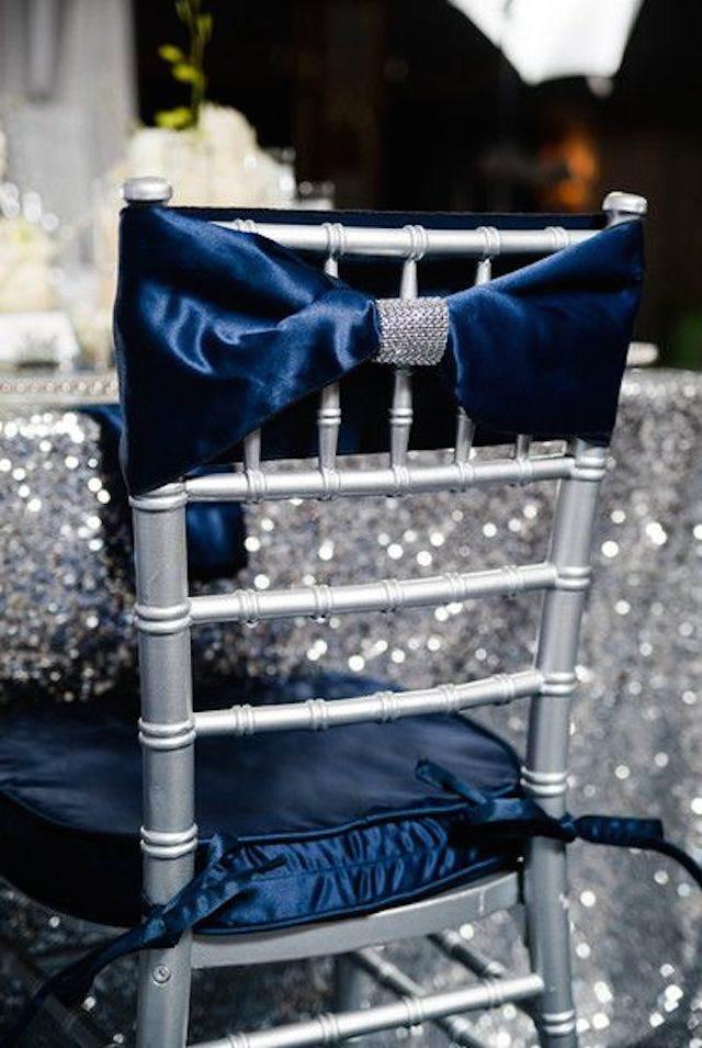 silla decoración terciopelo azul boda de navidad