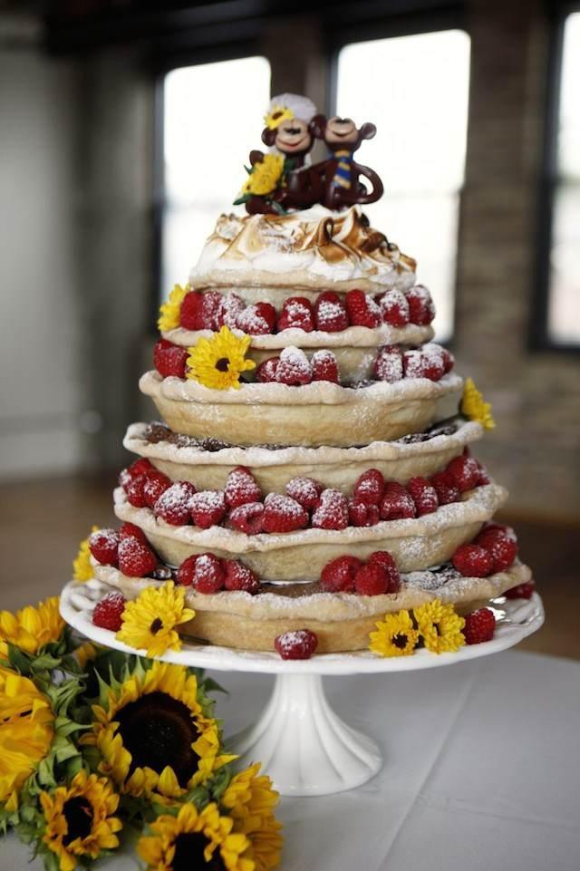 tarta para boda variante divertido diferente fresas
