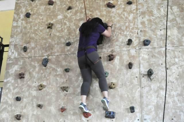 team building actividad muro de escalada