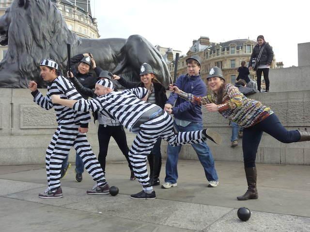team building divertido búsqueda del tesoro en grupos
