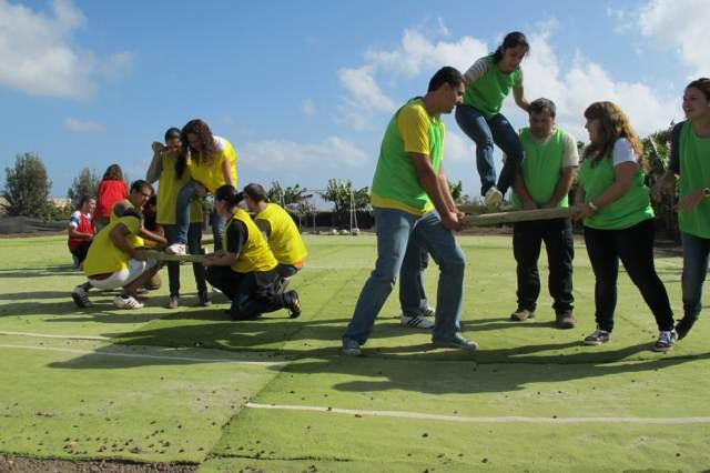 team building dos equipos juego al aire libre