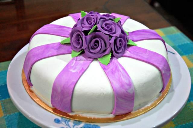 torta elegante decoración el color lila