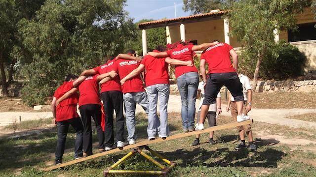 trabajar en equipo team building actividades clásicos