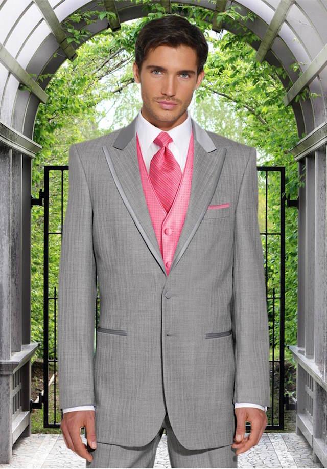 trajes de novio modernos corbata color rosa