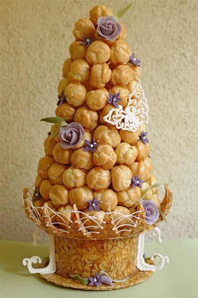 variante diferente pastel de croquembouche estilo real francés