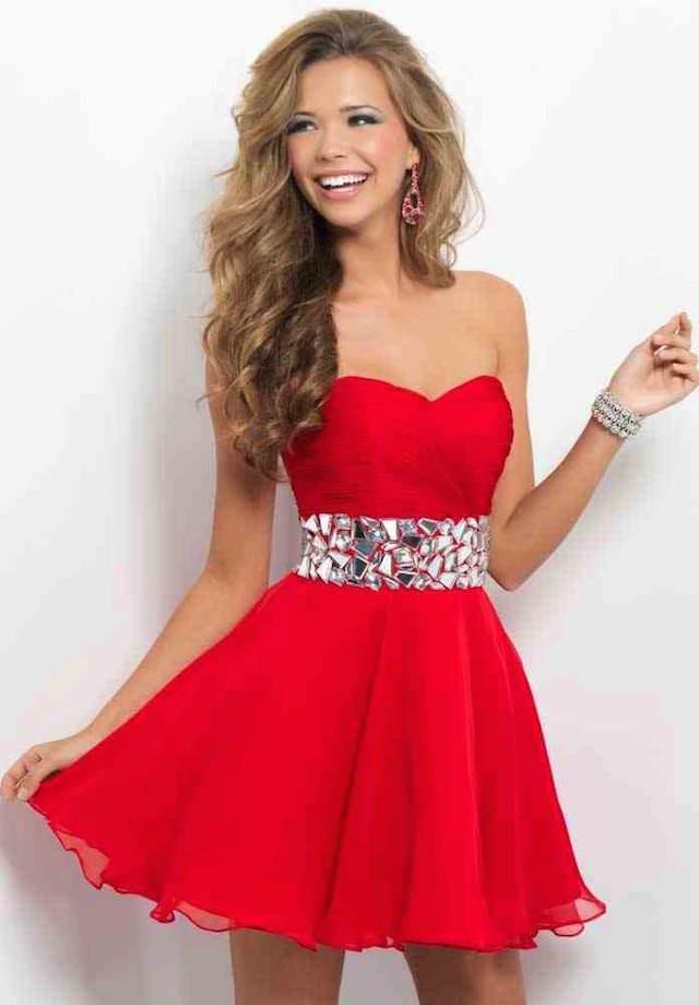 vestido corto elegante color rojo actual