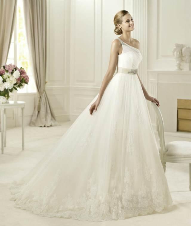vestido de novia fántastico un peinado magnífico