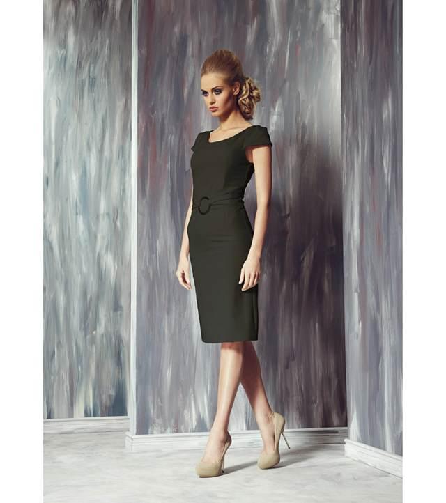 vestido negro y elegante para un cóctel y fiesta