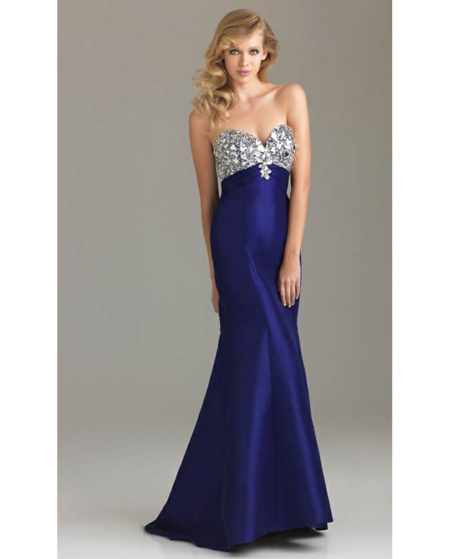 vestido de noche color azul hermoso