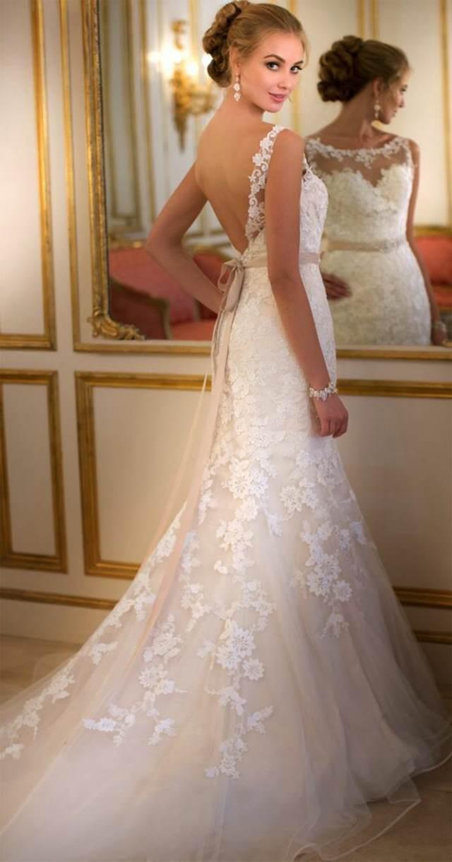 vestido para novia con la espalda descubierta y elegante