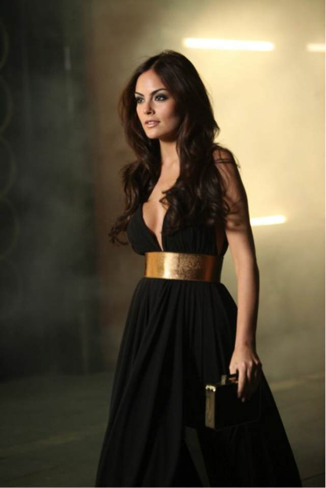 vestido de cóctel color negro cinturón bolsa