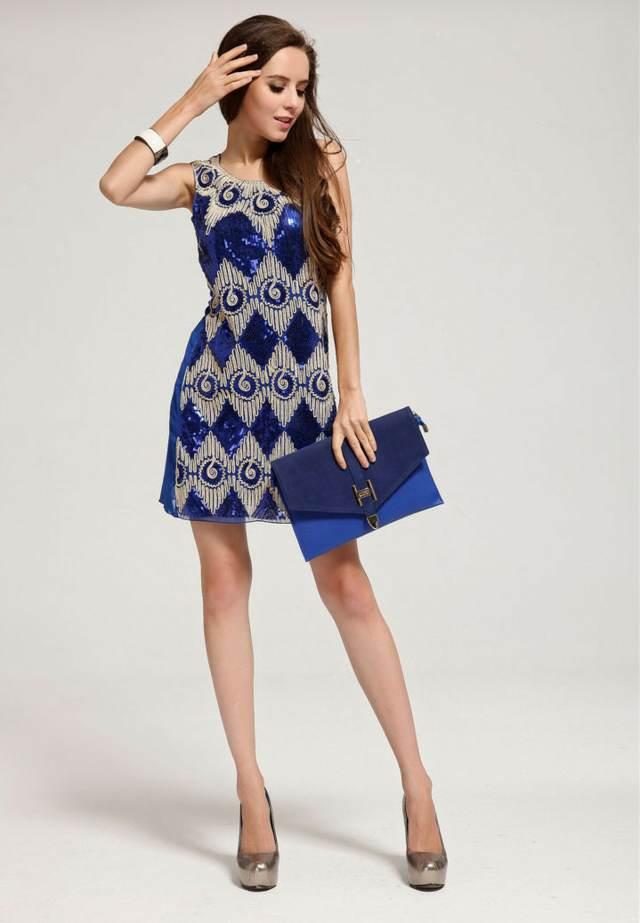 vestido para fiesta una idea en azul con accesoarios