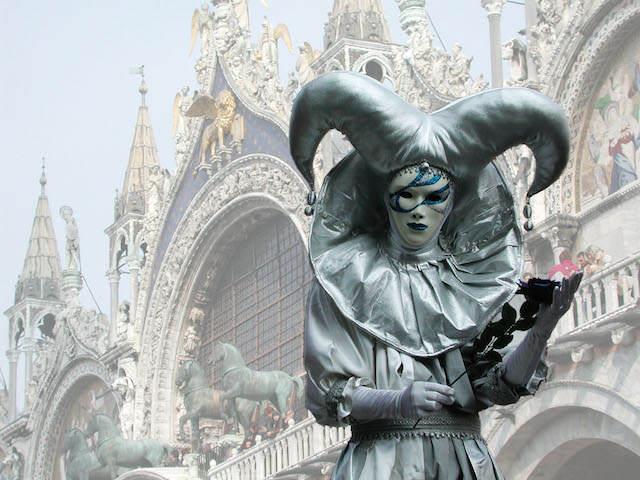 Carnaval de Venecia 2015 personaje clásico