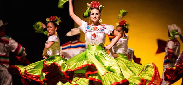 Día de la Constitución Mexicana bailes 5 de febrero