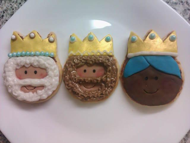 Reyes Magos galletas temáticas decoradas rostros