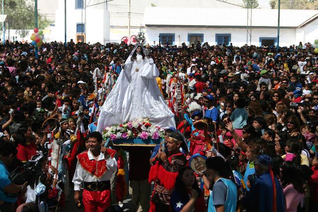 Virgen de la Candelaria procesión calles principales