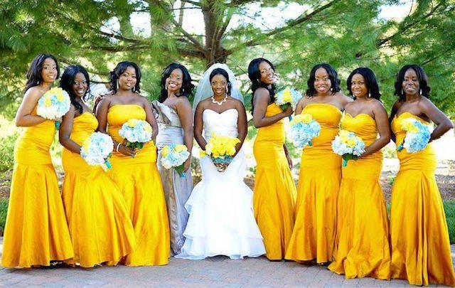 boda estilo amarillo azul blanco acentos