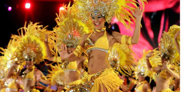 carnaval de Barranquilla Colombia bailarinas preciosas