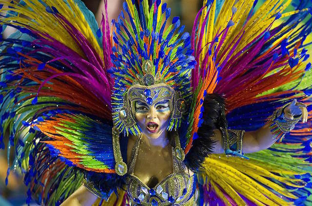 carnaval de Brasil 2015 disfraz muy pintado
