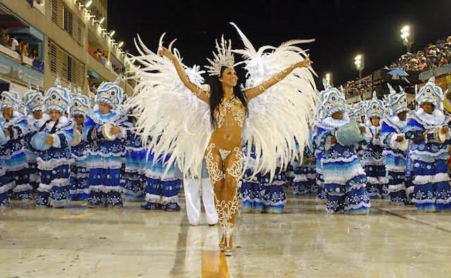 carnaval de Río de Janeiro muchacha guapa