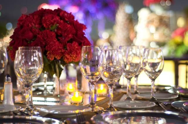 centro mesa flores rojas fiestas empresariales