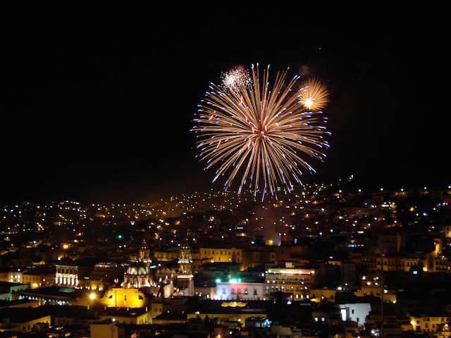 ciudad de Mexico fuegos artificiales preciosos celebración