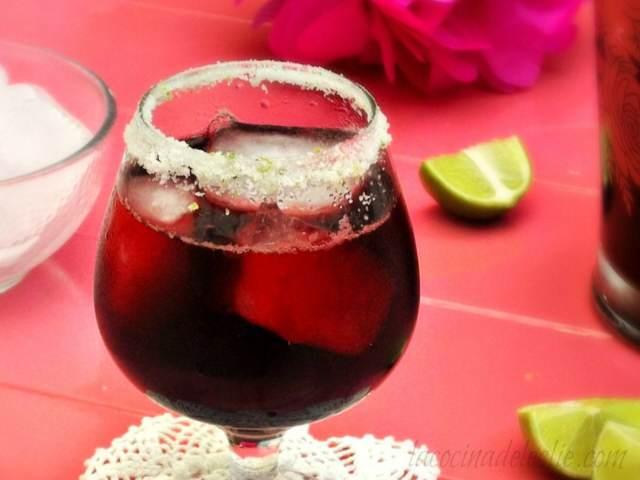 cóctel flor Jamaica bebida saludable beneficios
