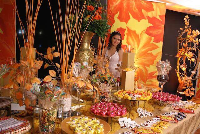 decoración de 15 años color de oro moderno