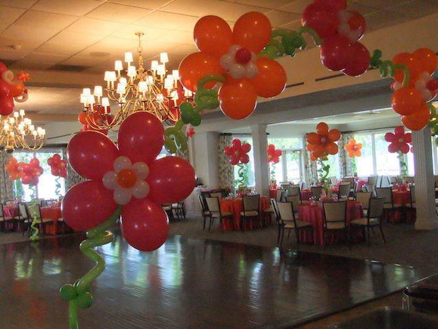 decoración entera sala evento globoflexia flores
