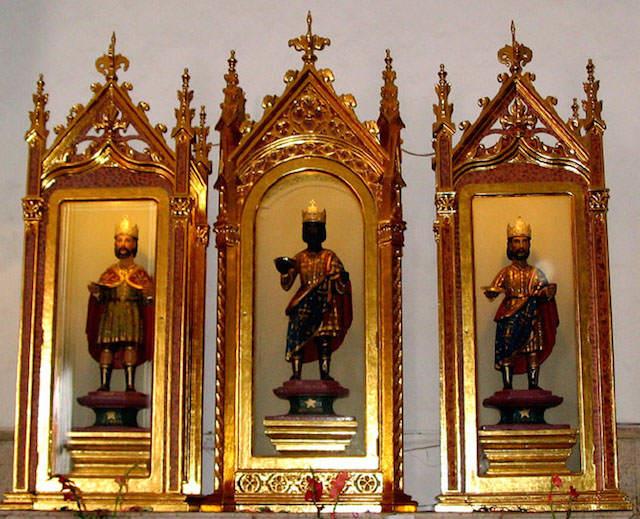 decoración impresionante iglesia Reyes Magos Oriente