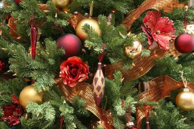 decoración Navidad árbol unas bolas