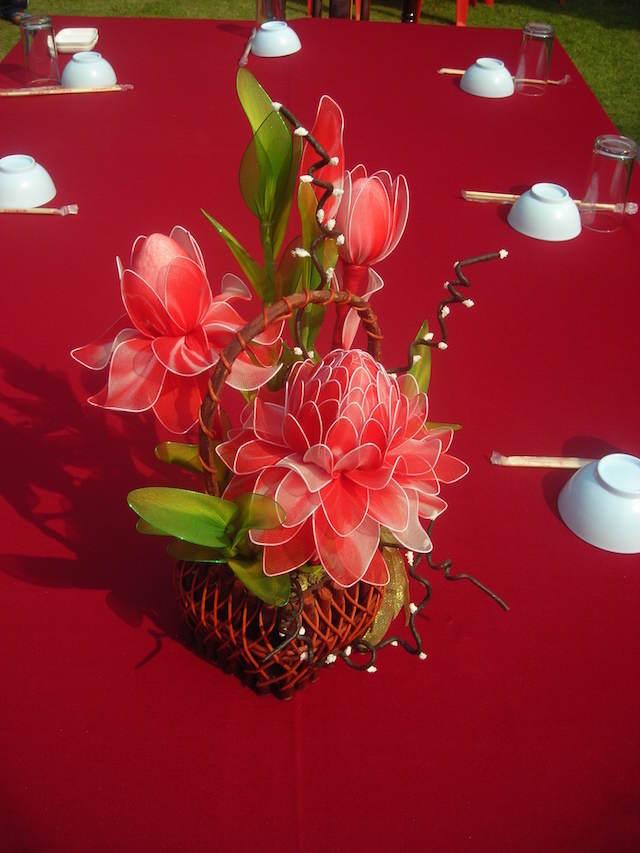 decoración preciosa diferente flores de papel