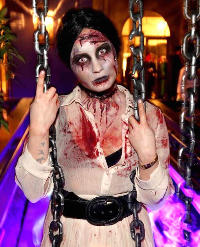 disfraces originales Demi Lovato Zombie maquillaje