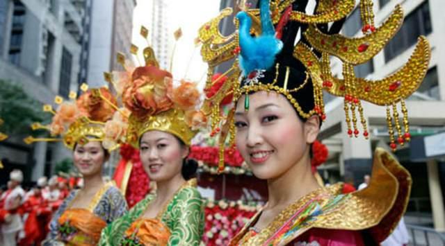 el Año Nuevo chino mujeres vestidos tradicionales