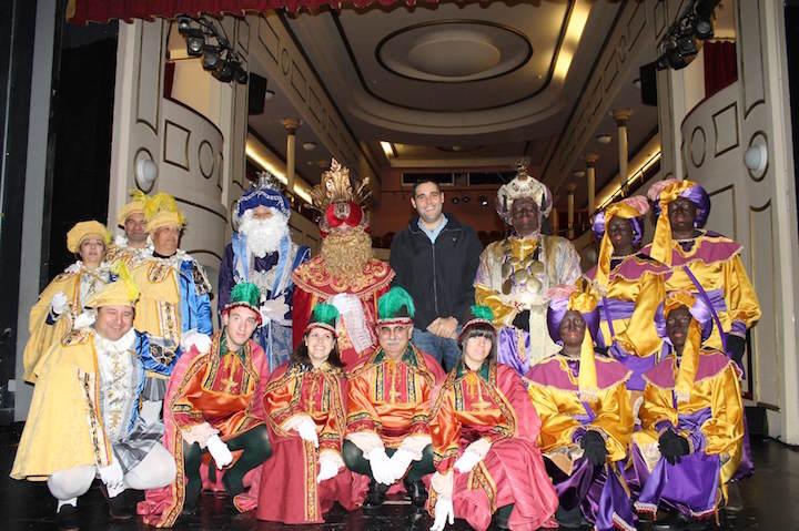 fiesta temática Reyes Magos adultos disfraces típicos