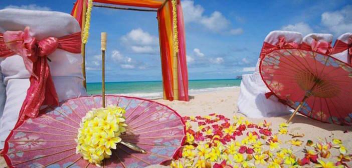 flores-amarillas-boda-exotica-decoracion-playa