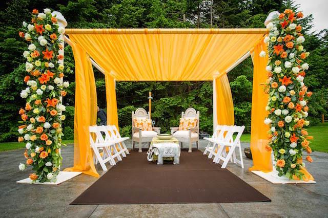 flores amarillas ceremonia maravillosa boda aire libre