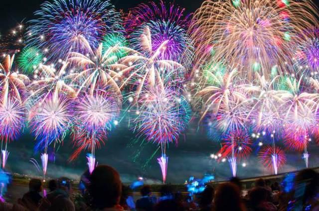 fuegos artificiales el año nuevo