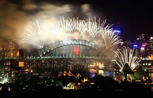 fuegos artificiales impresionantes Sidney festejar Año Nuevo
