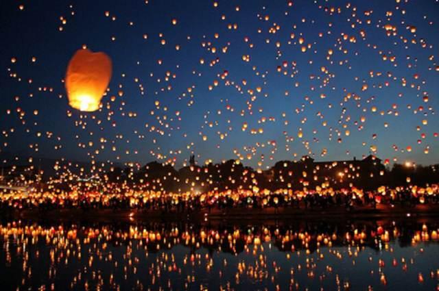 cielo lleno globos cantoya