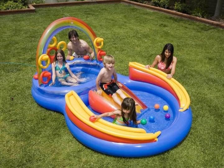 juegos inflables un parque acuático niños