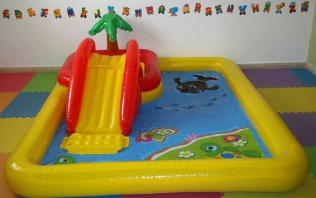 juegos inflables una piscina inflable tobogán