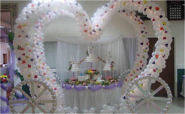 magnífica carroza hecha de globos elegante boda